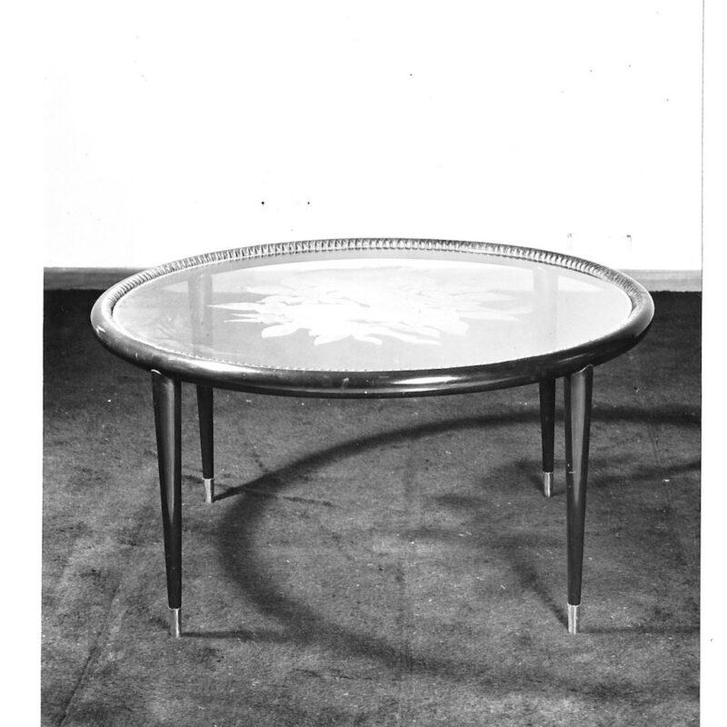 Tavolo con piano in cristallo inciso, 1943