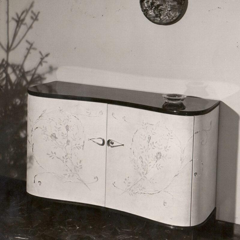 CREDENZA - 1945