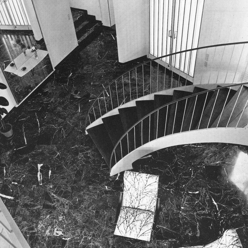 Casa N - Ingresso con scalinata