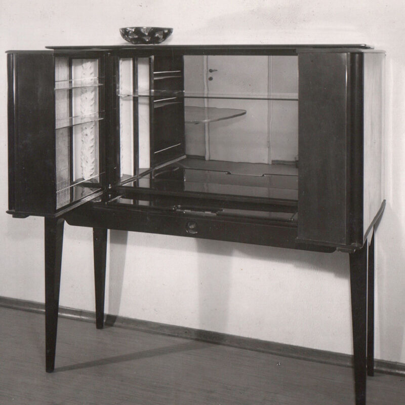 MOBILE BAR - 1944