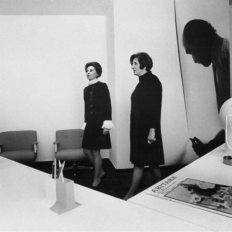 Teresita Fontana e Valeria Borsani fotografate da Ugo Mulas