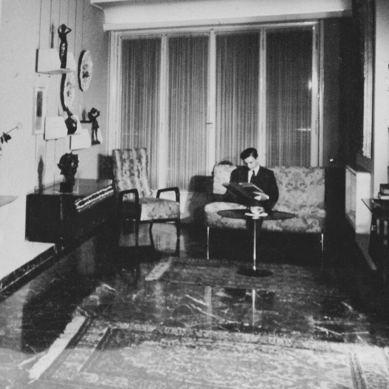 MOBILE BAR A MURO - 1952