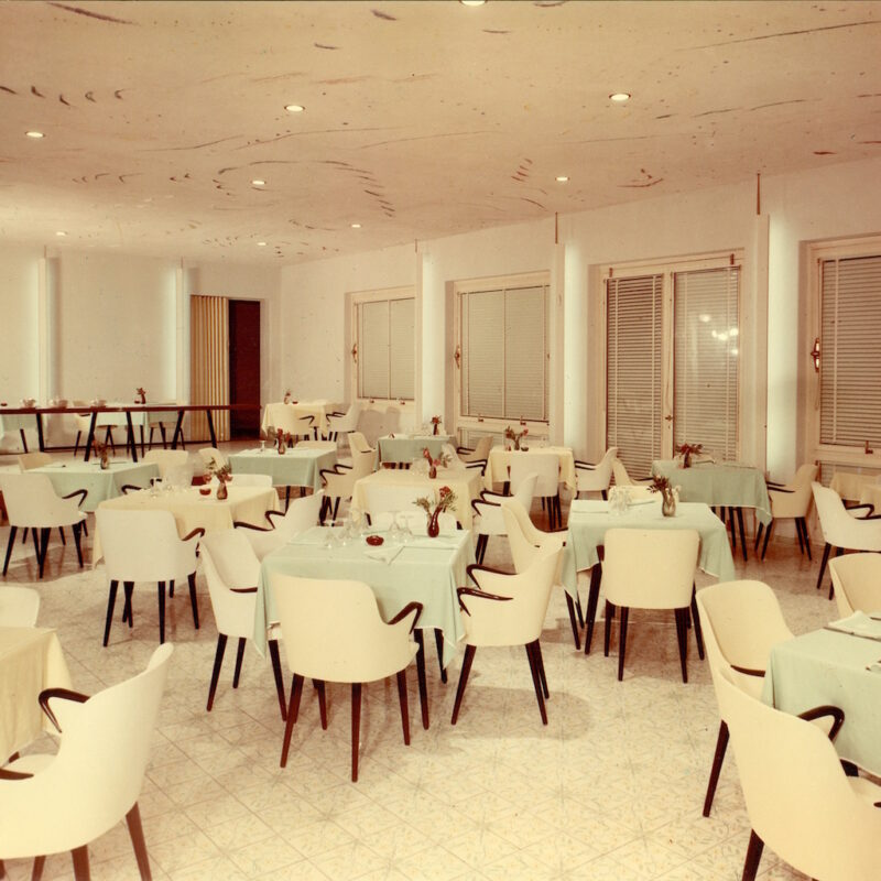 P38 / LT8 - hotel del golfo