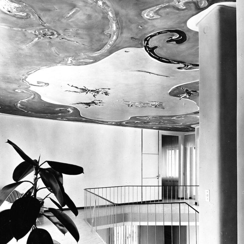 Soffitto di Casa N dipinto con elementi in stucco, Forte dei Marmi, 1956